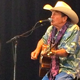 Canadian living legend Ian Tyson singing about the cowboy life on the main stage.